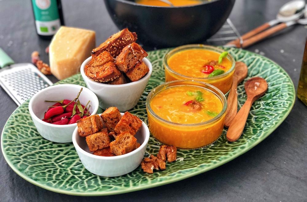 Kremasta juha od bundeve i maslaca od bundeve